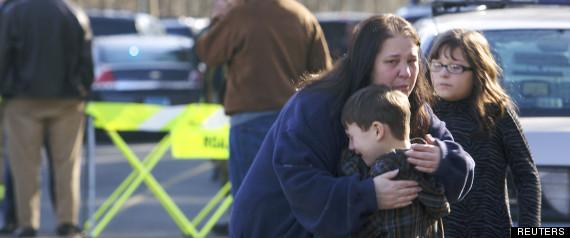 L'evacuazione della scuola dopo la sparatoria