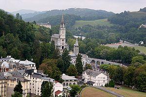 Vista del Santuario di Notre-Dame di Lourdes
