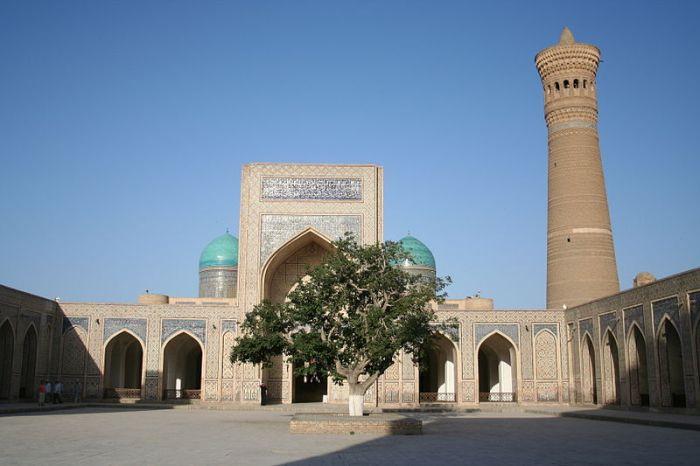 Moschea e minareto Kalon