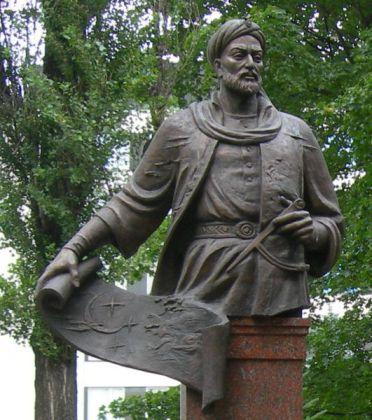 531Ulugbek.statue