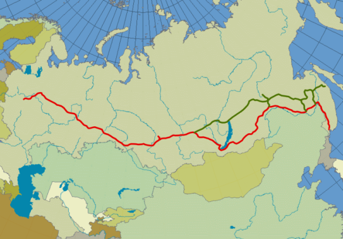Percorso principale della Transiberiana (rosso) e la ferrovia Bajkal-Amur (verde)