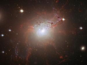 La-galassia-NGC-1275-300