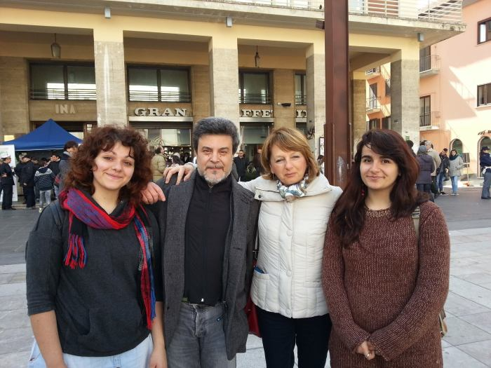 Con Ketty De Michele e due ragazze del Liceo Linguistico da Vinci