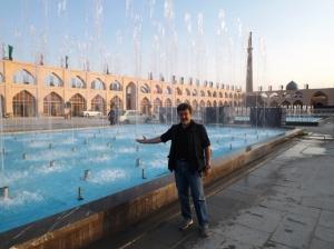 Cronofotografia del viaggio in Iran: 6- In una delle grandi piazze di Isfahan